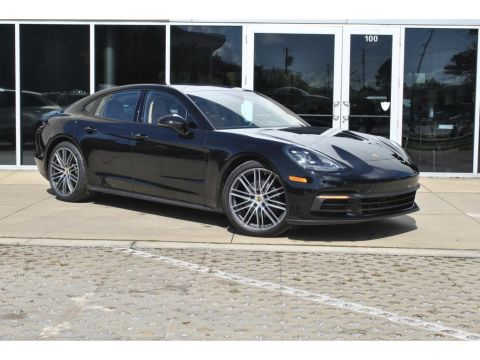 Pre-Owned 2018 Porsche Panamera 4DR HB RWD